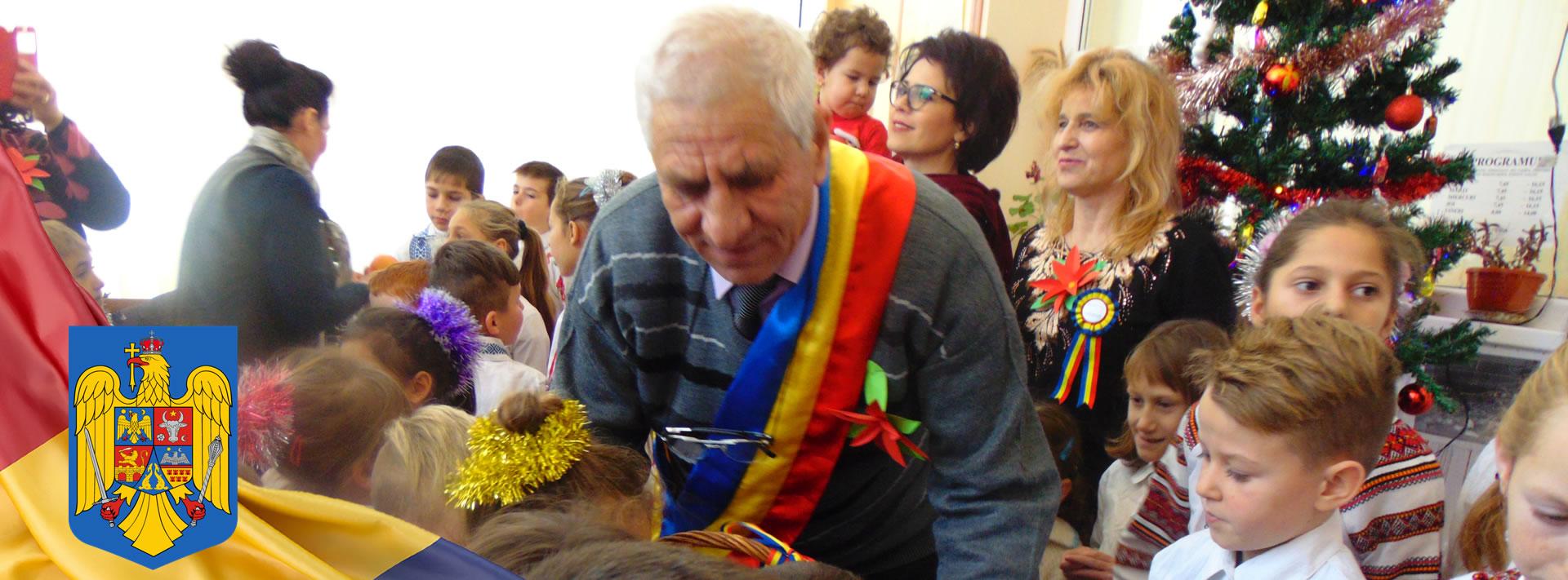 Primarul comunei Beresti-Meria, printre copii